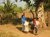 Bambini di Kinniya - Kinniya per la Vita Onlus